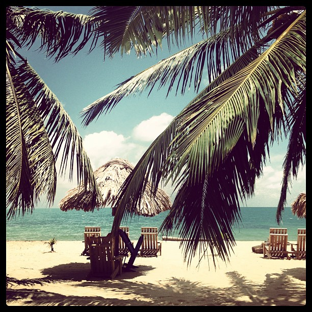 placencia peninsula beaches belize