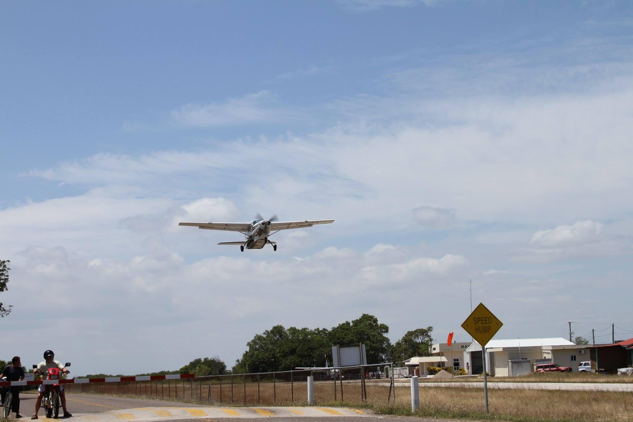 Airplane arrival Chabil Mar - Belize Resort